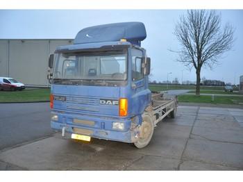 Camion ampliroll DAF AE 75 RC