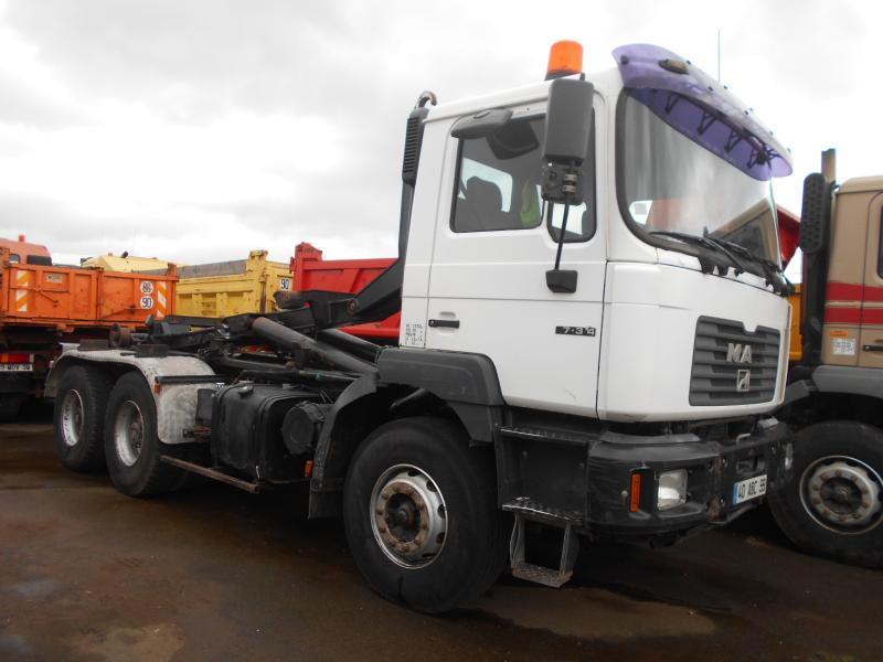camion ampliroll MAN F2000 27.314