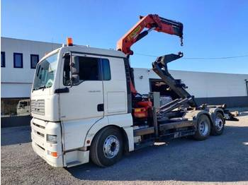Camion ampliroll MAN TGA 26.430 6x2 container Euro3
