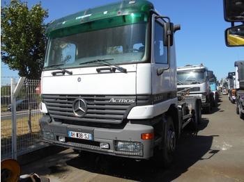 Camion ampliroll Mercedes Actros 3331