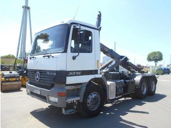 Camion ampliroll Mercedes Actros 3335