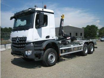 Camion ampliroll Mercedes-Benz 3342 6X6 HYVA Abroller