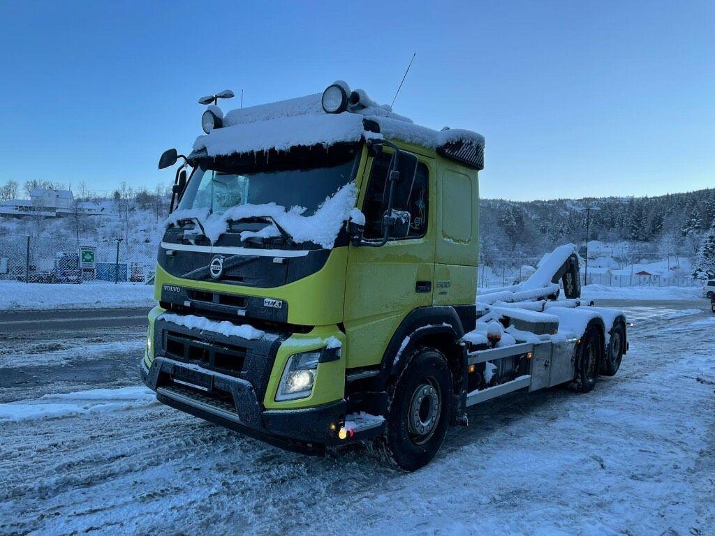 camion ampliroll VOLVO FMX 500 6x2