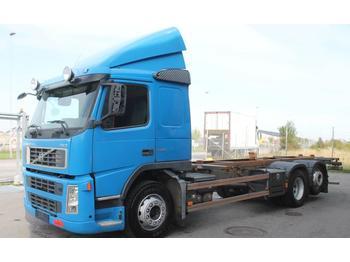 Camion ampliroll Volvo 6x2 380