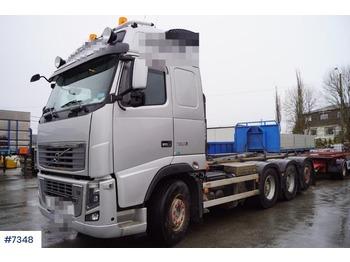 Camion ampliroll Volvo FH750