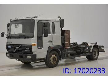 Camion ampliroll Volvo FL 608
