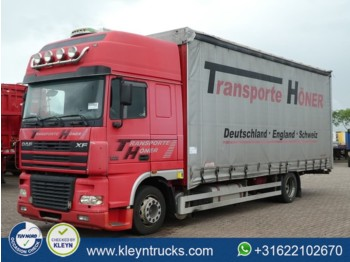 DAF XF 95.430 superspacecab 4x2 - camion bâche