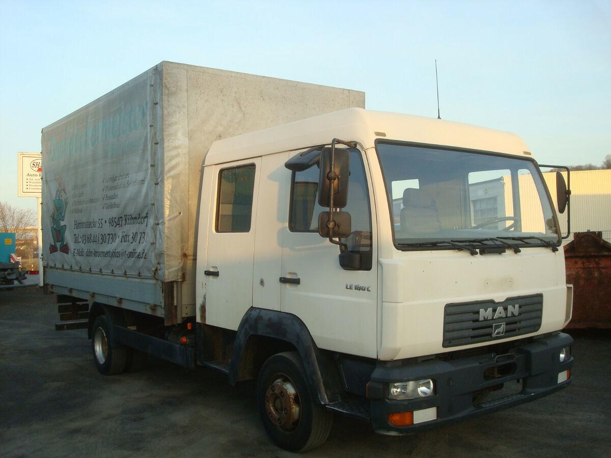 camion bâche MAN LE 180 C