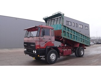 Camion benne DAF 2300 (BIG AXLE / FULL STEEL SUSPENSION / MANUAL PUMP)