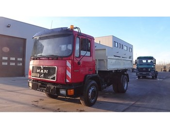 Camion benne MAN 18.272 (FULL STEEL SUSPENSION / 6 CYLINDER ENGINE WITH MANUAL PUMP)