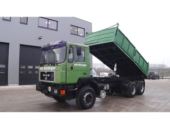 MAN 33.422 (BIG AXLE / MANUAL PUMP / 6 CYLINDER / ZF-GEARBOX) - camion benne