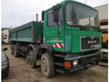 Camion benne MAN 35.322