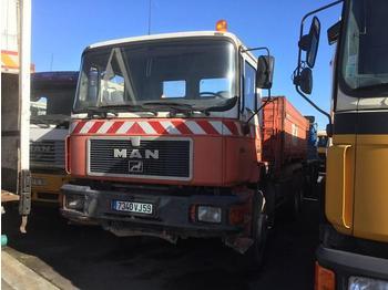 Camion benne MAN F2000 33.322