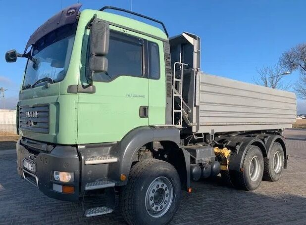 camion benne MAN TGA 26.440