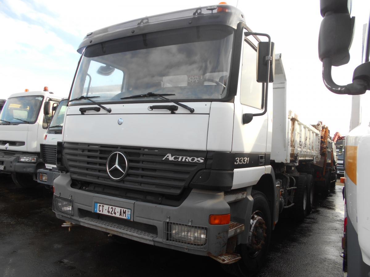 camion benne Mercedes Actros 3331