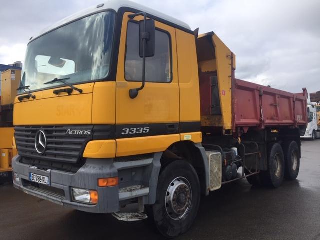 camion benne Mercedes Actros 3335