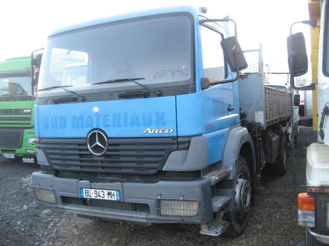 camion benne Mercedes Atego 1823