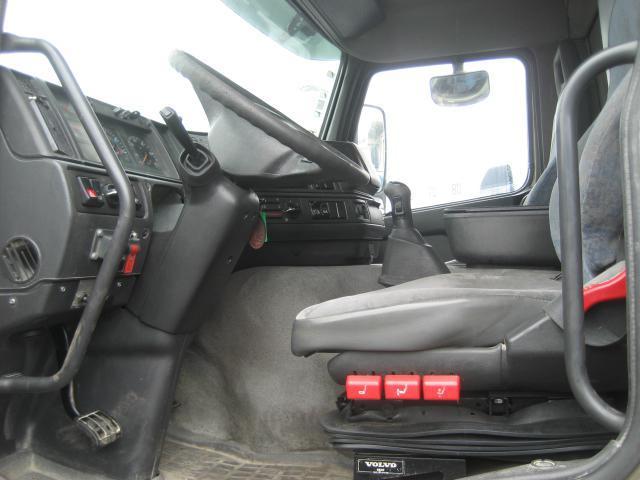 camion benne Volvo FM12