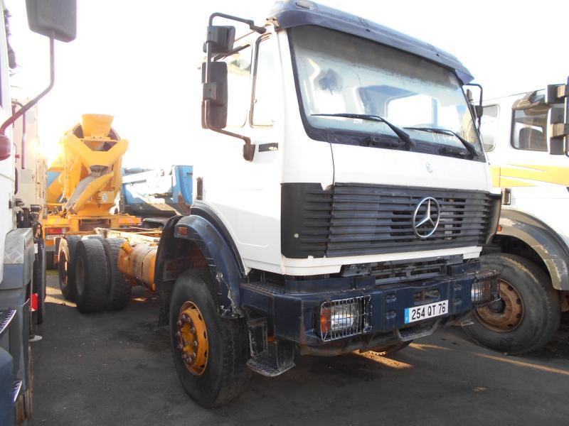 camion citerne Mercedes 2631