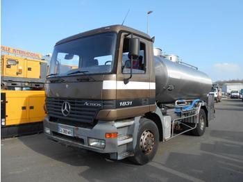 Camion citerne Mercedes Actros 1831