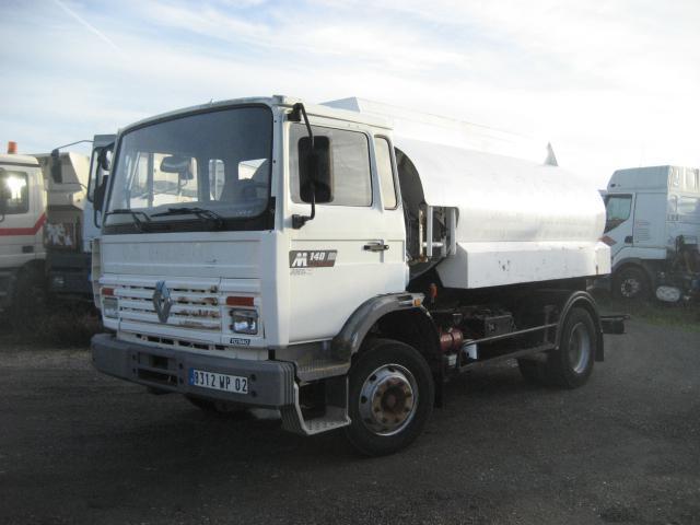 camion citerne Renault Midliner 140