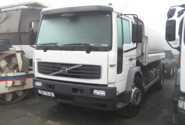 camion citerne Volvo FL 250