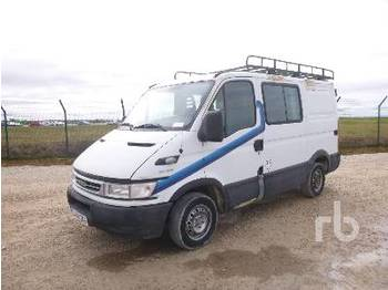 IVECO DAILY 29L12 - camion fourgon