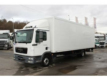 Camion fourgon MAN TGL 12.2204X2BL,HYDRAULIC LIFT, 8,2 m,TIRES 80%