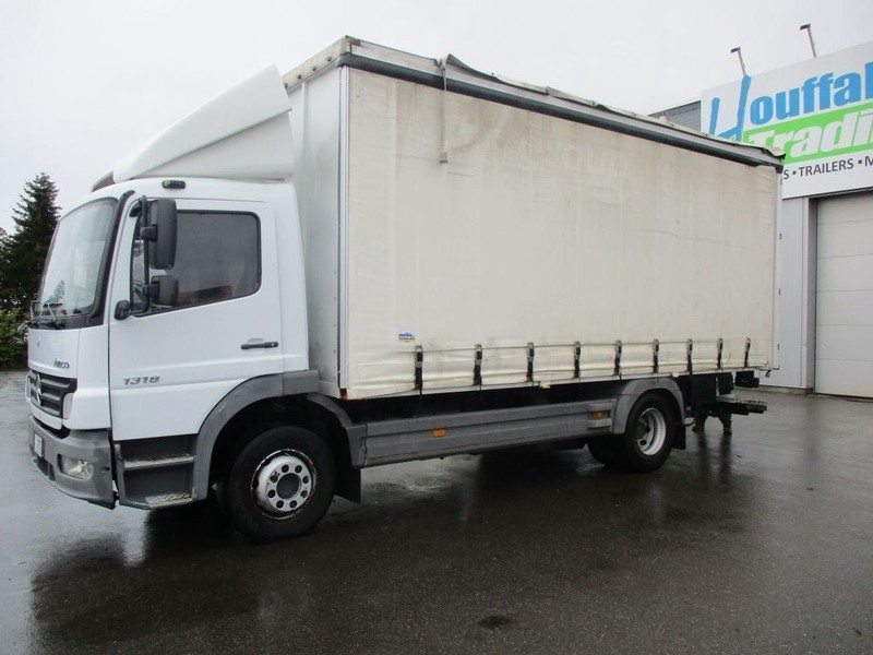 camion fourgon Mercedes-Benz Atego 1318