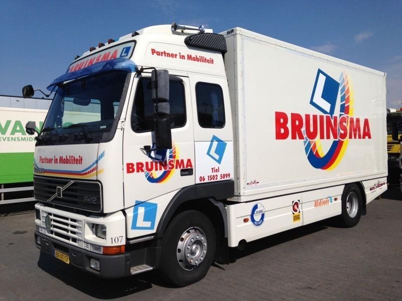 camion fourgon Volvo FH12 340 Closed Box Euro 2