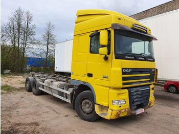 Camion isothermique DAF XF 105.460
