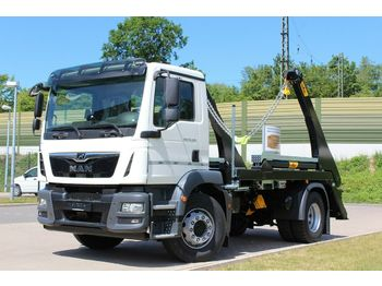 Camion multibenne MAN TGM 18.320 4x2  / HYVA - Absetzer