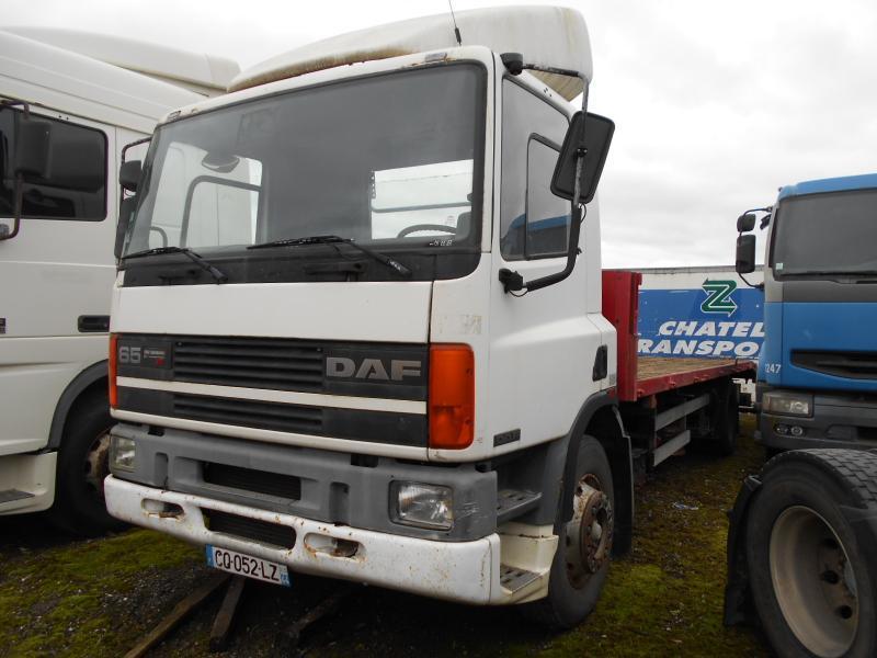 camion plateau DAF 65 ATI