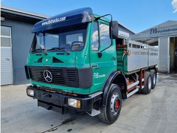 Mercedes-Benz 2222 6X4 stake body  - camion plateau