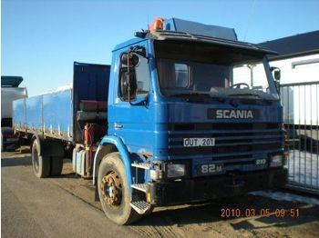 Camion plateau ridelle SCANIA P 82