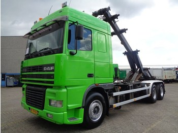 Camion porte-conteneur/ caisse mobile DAF XF95 430 + CHAIN SYSTEM + MANUAL + 6X2 + 10 TIRES