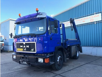 MAN 18.232F FULL STEEL CHASSIS WITH NOOTEBOOM CONTAINERSYSTEM (6 CILINDER ENGINE / MANUAL GEARBOX) - camion porte-conteneur/ caisse mobile