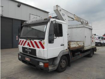 Camion MAN L 84 F (STEEL SUSPENSION / 11.5 METER LIFT)
