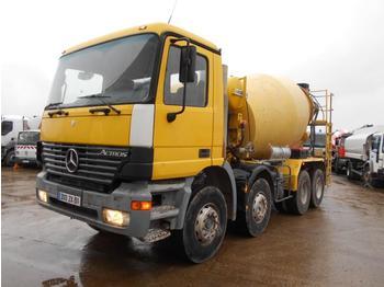 Camion malaxeur Mercedes Actros 3235