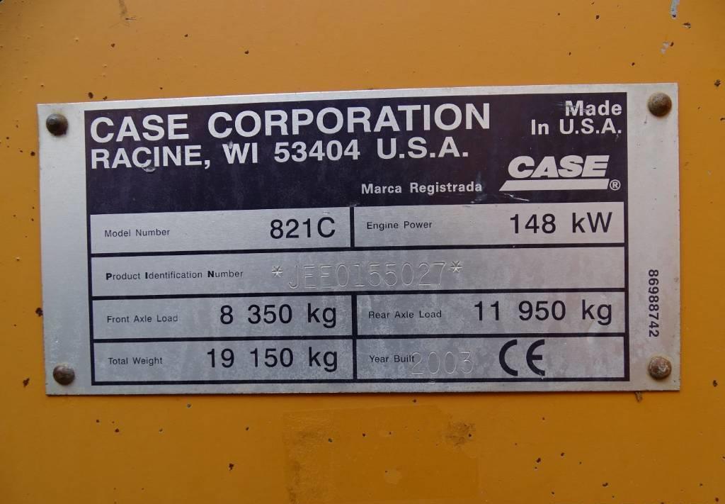 chargeuse sur pneus CASE 821C