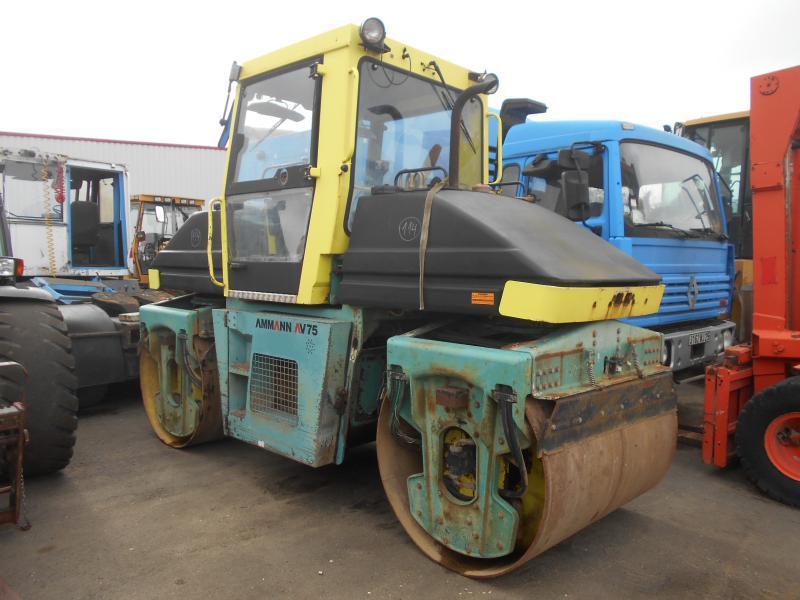 rouleau compresseur Ammann AV75