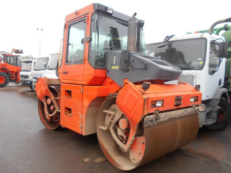 rouleau compresseur Bomag BW174AD