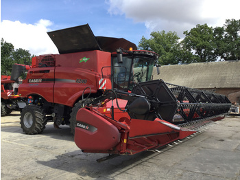 Case IH 8240 - moissonneuse-batteuse