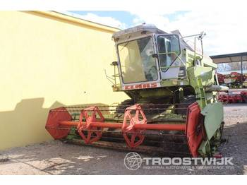 Moissonneuse-batteuse Claas Dominator 96