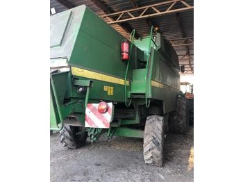 Moissonneuse-batteuse JOHN DEERE 2266