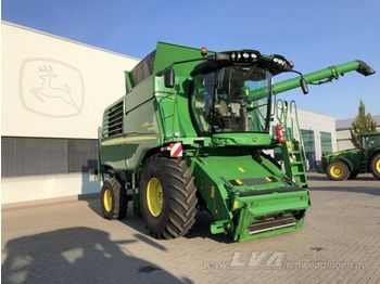 Moissonneuse-batteuse JOHN DEERE W660