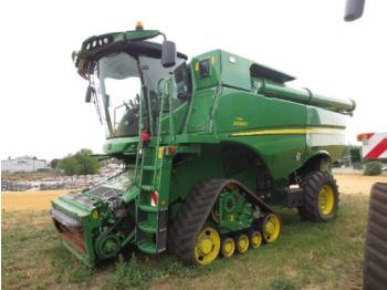 Moissonneuse-batteuse John Deere S 690i