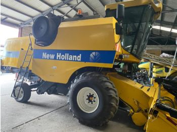 Moissonneuse-batteuse NEW HOLLAND 5040: photos 1