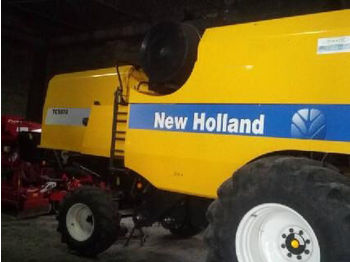 Moissonneuse-batteuse NEW HOLLAND TC5070