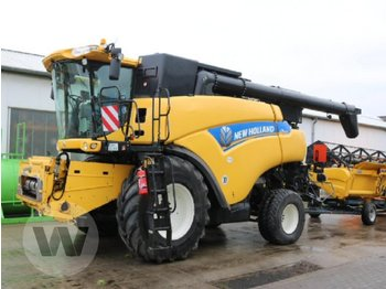 Moissonneuse-batteuse New Holland CR 9090